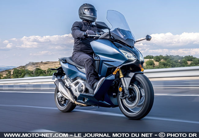 Nouveau Honda Forza 750 Infos-forza-750-dyna%24