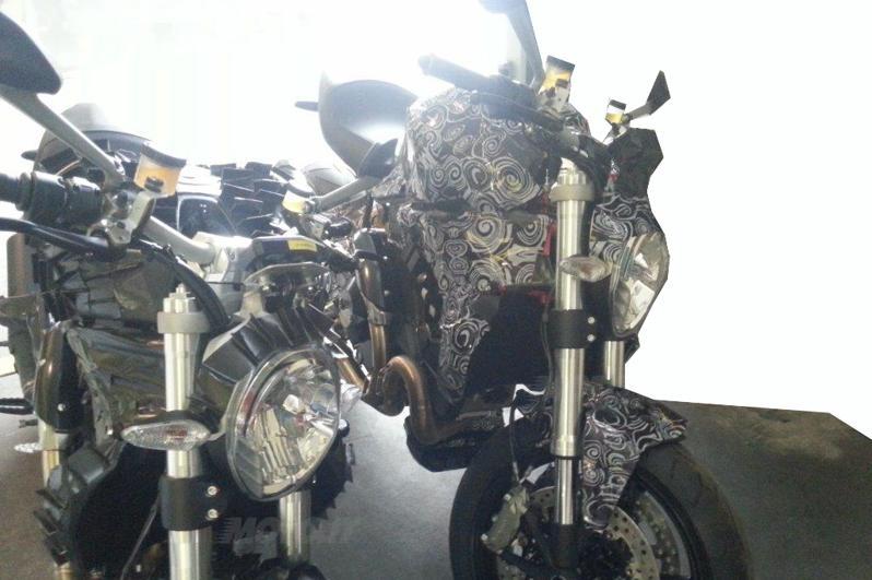 Nouveau New Monster 1198 Testa !!!! Monster 1200 Ducati-monster-nuovo-2014---5--mod