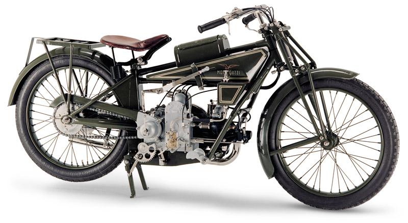 La moto Guzzi V9 Bobber Archive_800