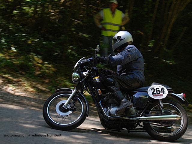 Rallye routier en DTMX Rallye-ain-ancienne-triumph_4654