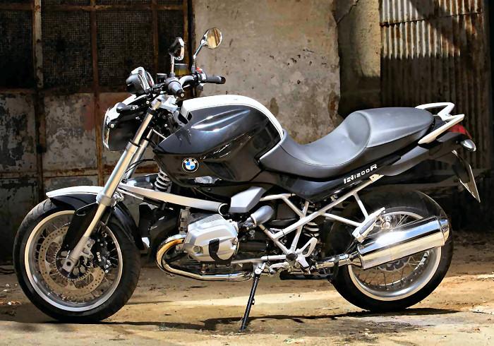 BMW R 1200 R DARK WHITE DIABLO BMW-R-1200-R-classic-2012-700px