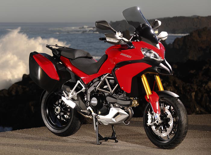 Suzuki frappe fort ?? 1200-multistrada-S-touring-2010-700px