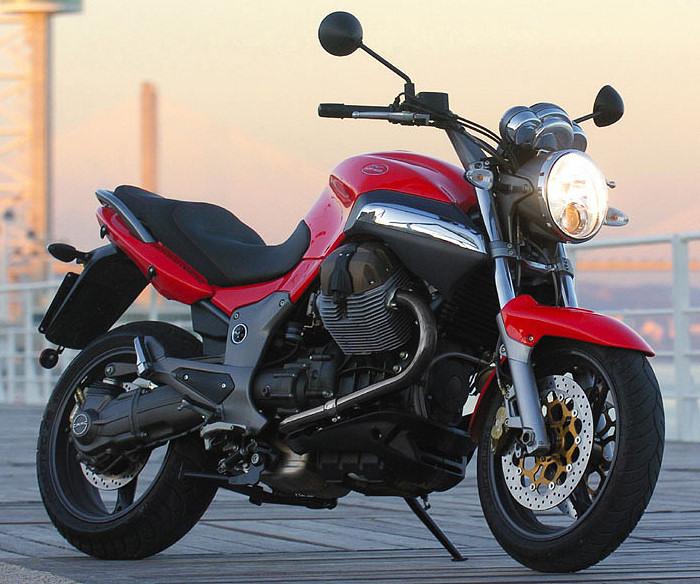 imaginons : plus de moto : quelle solution ? Moto-guzzi-1100-breva-2005-700px