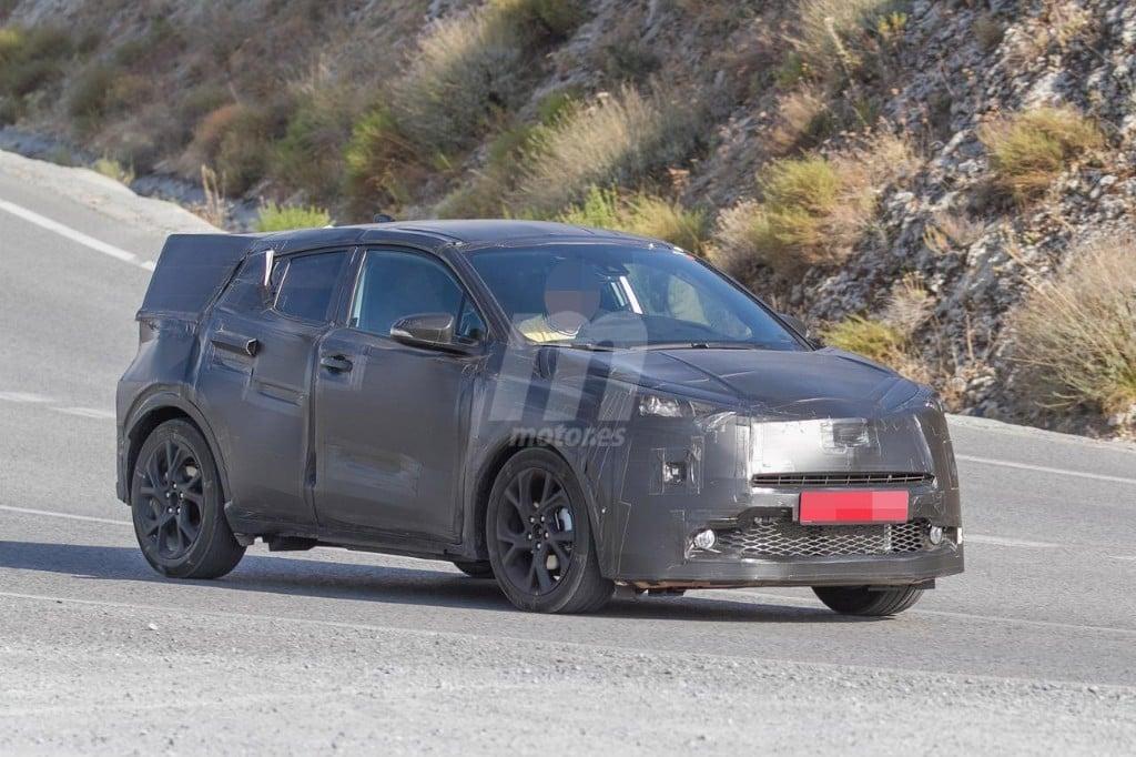 2016 - [Toyota] C-HR Toyota-crossover-anti-juke-201522841_4