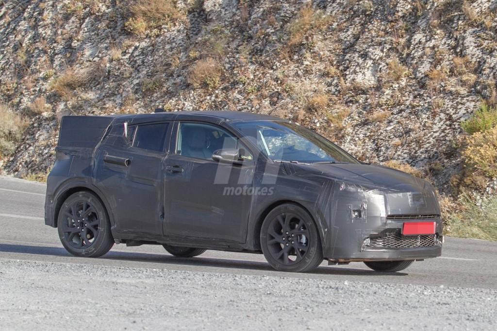 2016 - [Toyota] C-HR Toyota-crossover-anti-juke-201522841_5