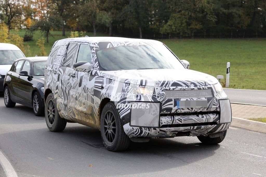 2016 - [Land Rover] Discovery V Land-rover-discovery-2017-201523863_2