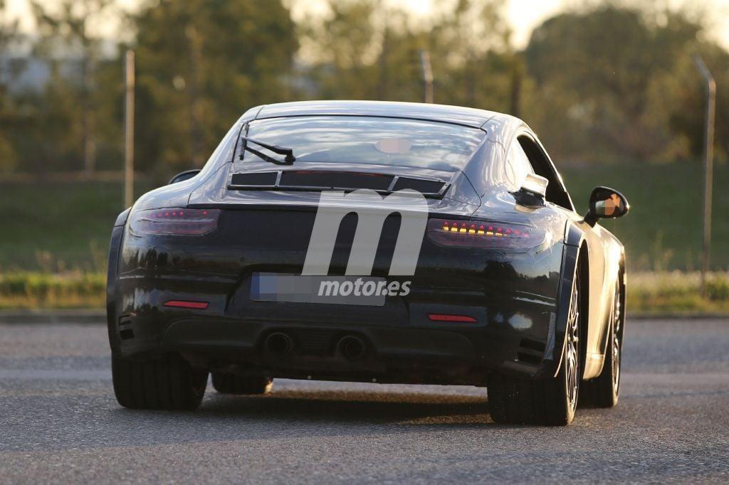2018 - [Porsche] 911 Porsche-911-chassis-testing-mule-2018-201524335_16