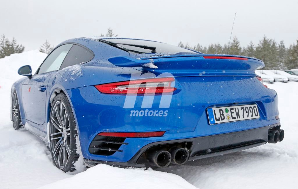 2015 - [Porsche] 911 Restylée [991] - Page 10 Porsche-911-gt2-rs-201626440_2