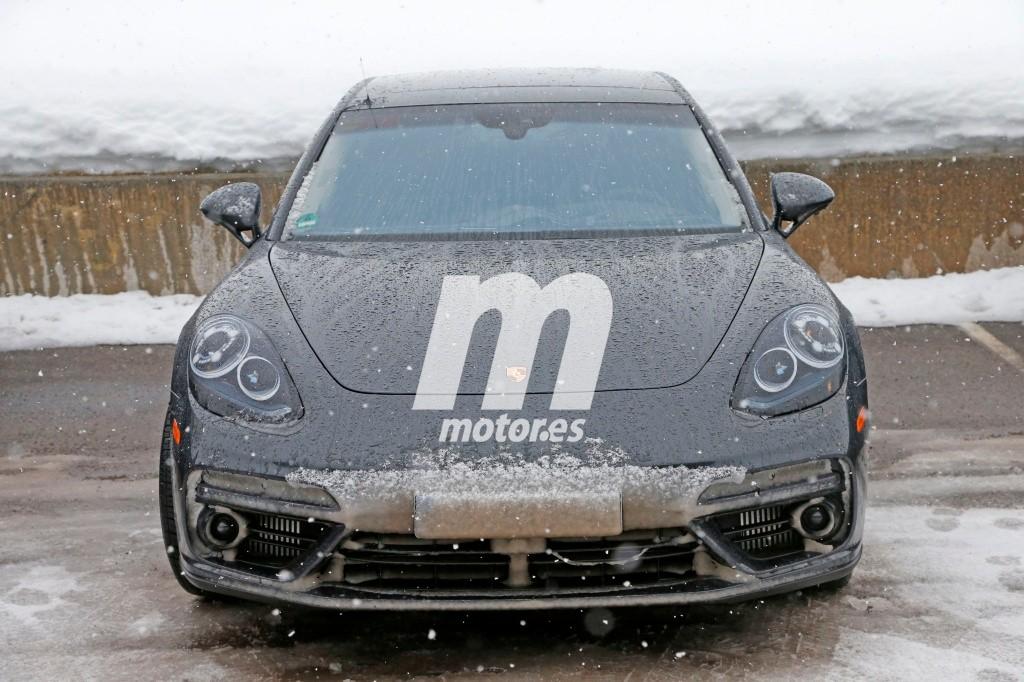 2016 - [Porsche] Panamera II - Page 7 Porsche-panamera-2017-fotos-espia-201626550_1