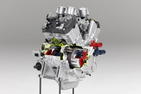 breve descripcion tipos de motores  Honda-VFR-Engine-rear