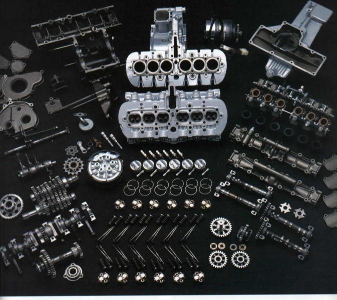 Verden går fremover.. 673px-1966-Honda-RC166-engine-in-pieces