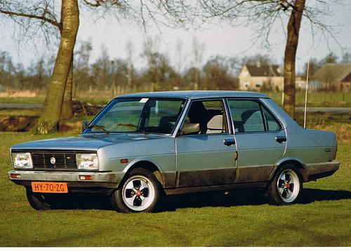 Hallunisation: Fiat 128 Familiare & Carrello + Renault Dauphine Fiat-131-supermirafiori-02