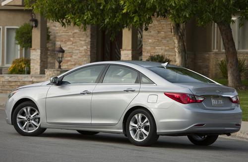 Recherche voiture de tout les jours - Votre avis 2011-Hyundai-Sonata-4