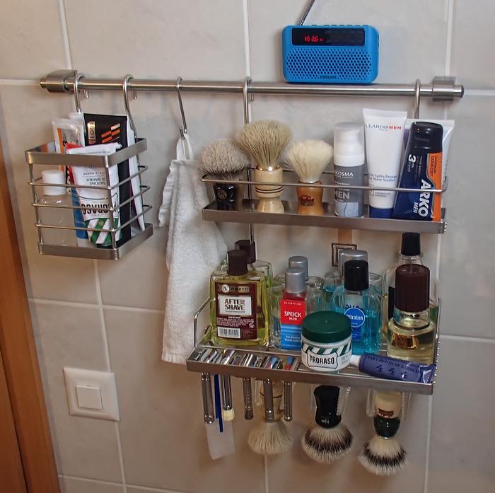 Photos de votre armoire spéciale rasage (ou de la partie réservée au rasage) - Page 5 Armoire4