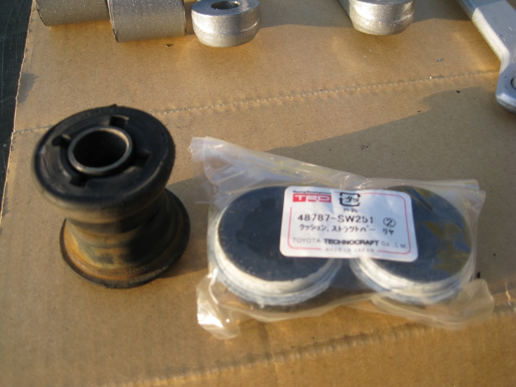 TRD Suspension Bushes - Fitting IMG_1932