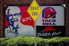 Maîtres du monde économique - Le règne des multinationales et des banques Fast_food_dead_end