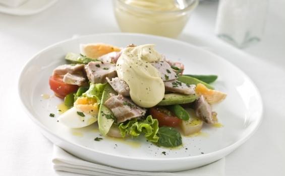 سلطة البطاطا مع الفطر المشوي 565-3500salad-fresh-avocado-tomato