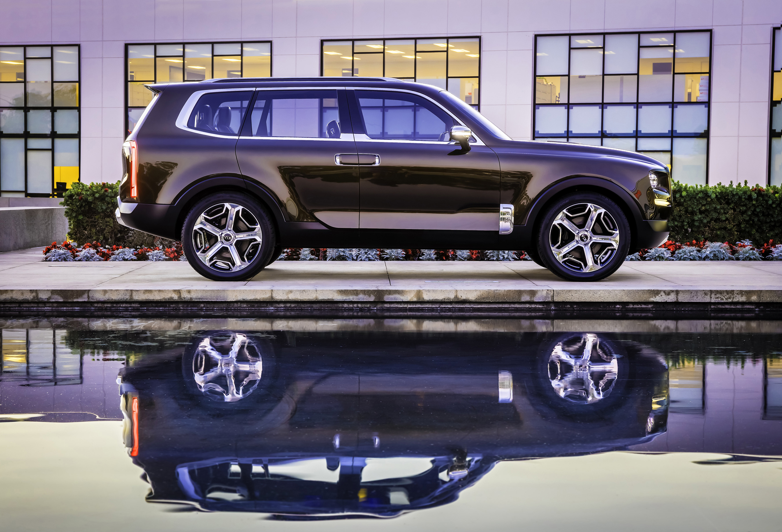 Auto jaunumi - Page 4 Kia-telluride-concept-1-HR