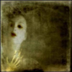 Andrea Samuels Actividad-paranormal-e1347043263258-300x300