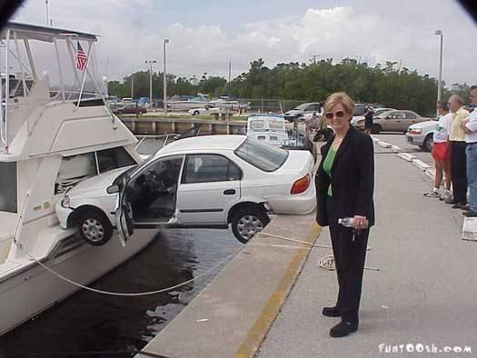 coches curiosos... - Página 2 Picture8-coche-hibrido-tierra-agua-accidente