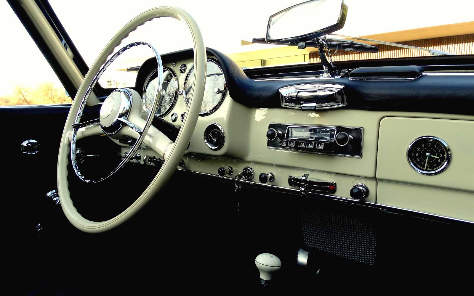 Une Mercedes-Benz 190 SL - w121 b2 - à vendre chez Vandenberghe à Sint-Martens-Latem (Belgique) Mb_w121b2_190_sl_street_170321_17_w1600_1000