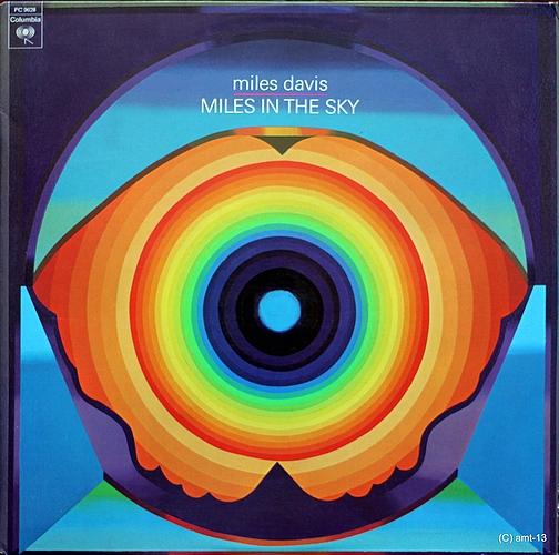 A rodar XXXV Img_miles-davis-in-the-sky
