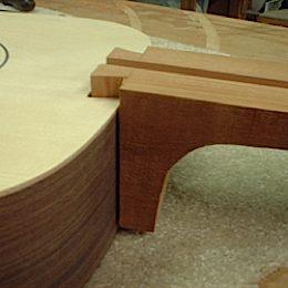 construction d une guitare blanca - Page 6 Dovetailjoint