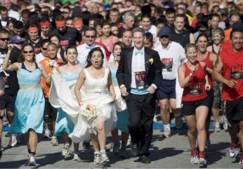 Svadbe ..dobre , smešne , katastrofalne.. - Page 3 Crazy-fun-weddings-19