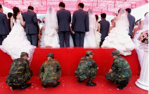 Svadbe ..dobre , smešne , katastrofalne.. - Page 3 Crazy-fun-weddings-24