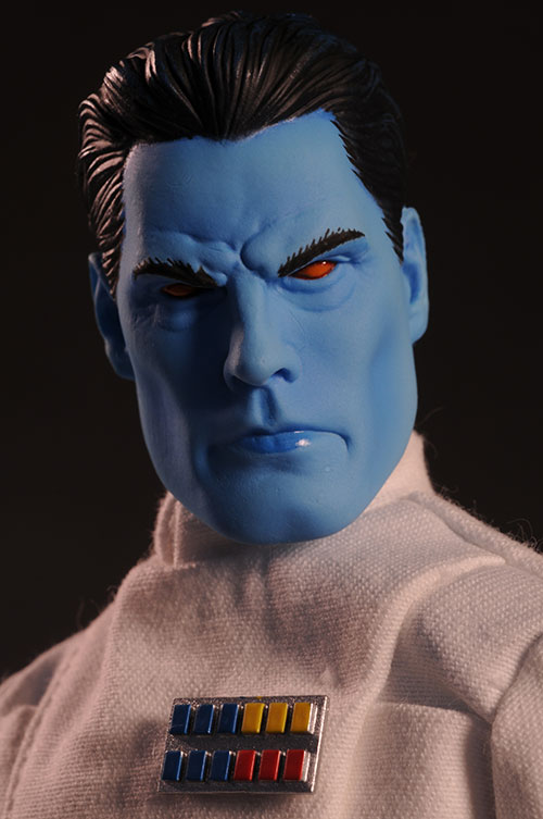 Grand Admiral Thrawn 12 inch figure - Page 2 Review_thrawn_3