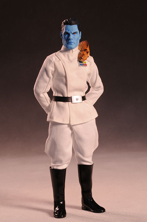 Grand Admiral Thrawn 12 inch figure - Page 2 Review_thrawn_5
