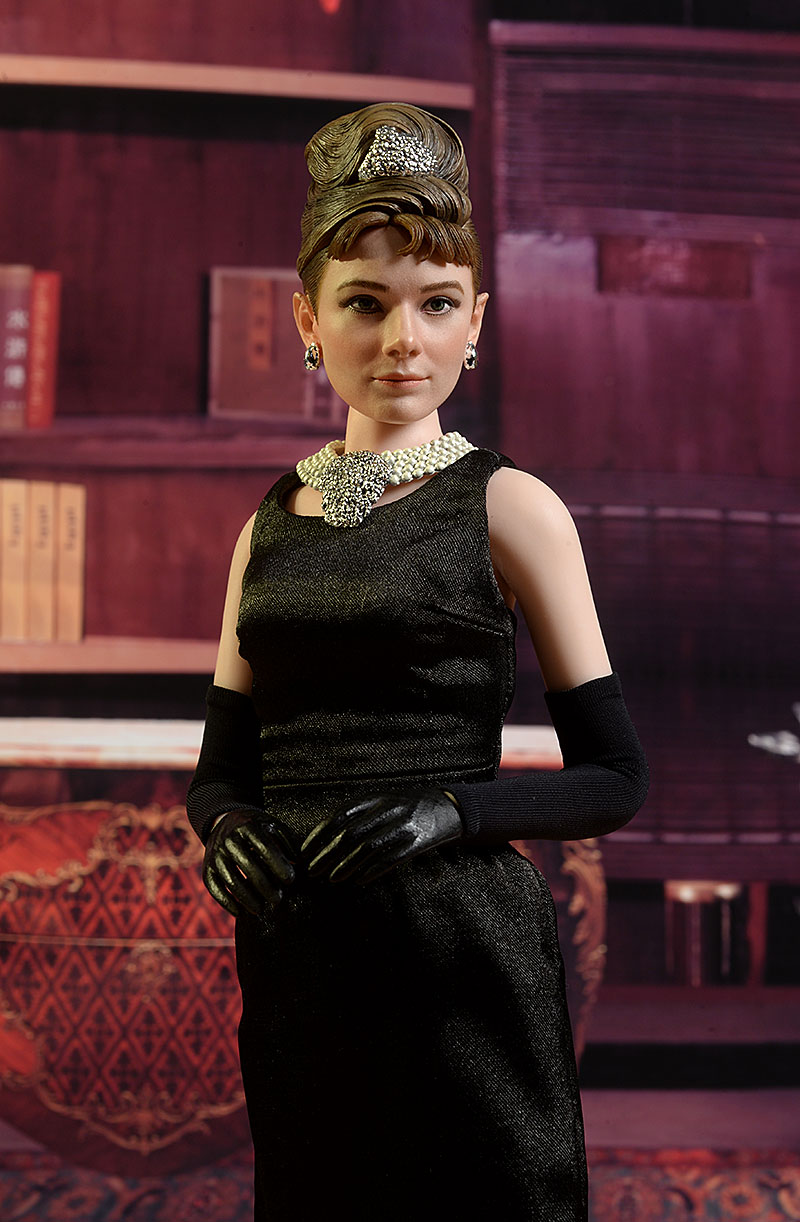 audreyhepburn - Audrey Hepburn Holly Golightly sixth scale figure review Review_hepburn_11