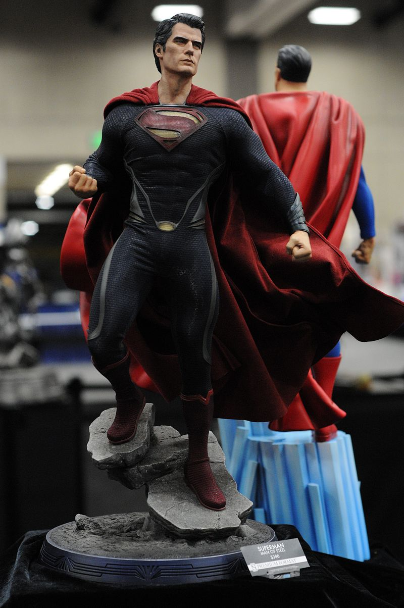 MAN OF STEEL SUPERMAN PREMIUM FORMAT FIGURE - Page 2 Sdcc2013_sideshow_19
