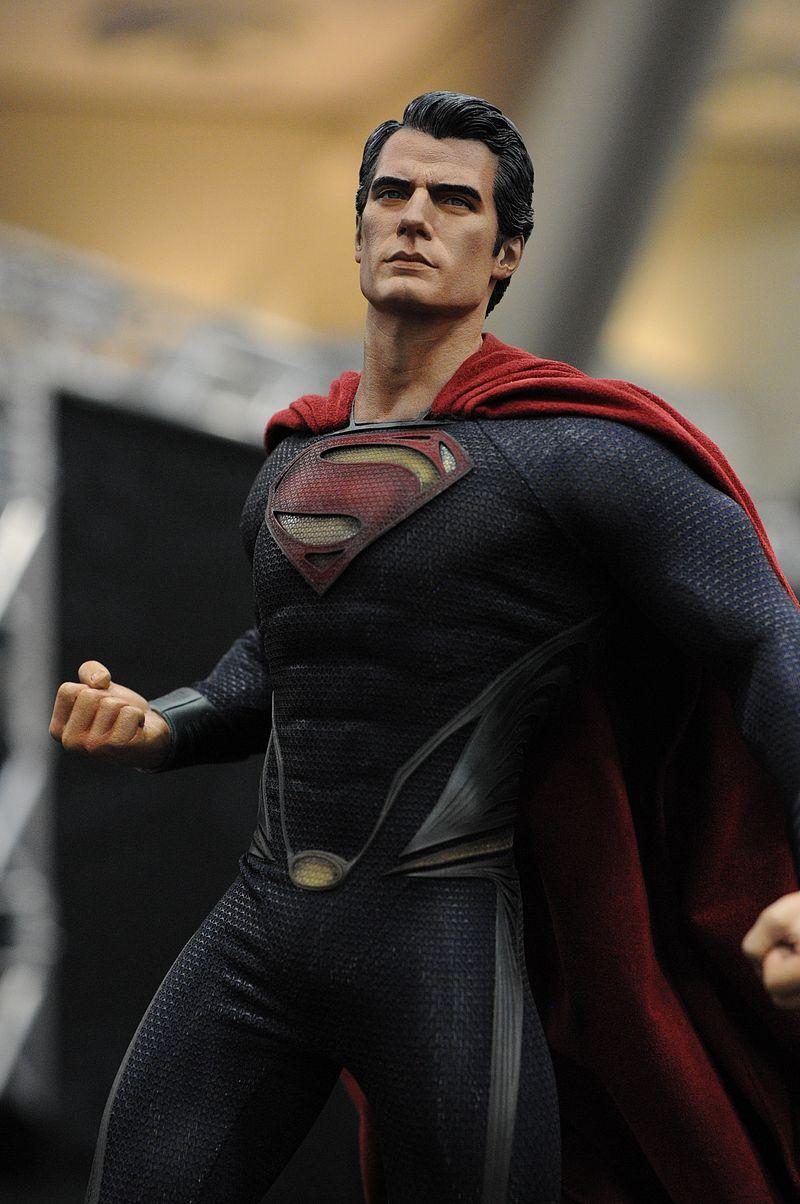 MAN OF STEEL SUPERMAN PREMIUM FORMAT FIGURE - Page 2 Sdcc2013_sideshow_20