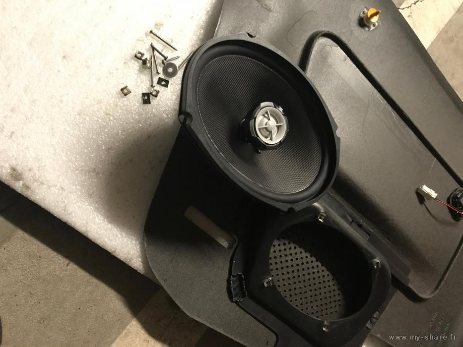 [ ALTAVOCES ] Tamaño de los altavoces traseros Medium-19552-fjmdoc-dw3h