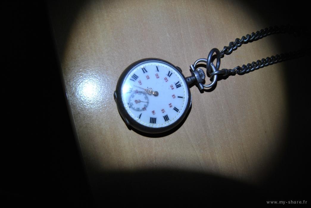 Eterna -  [Postez ICI les demandes d'IDENTIFICATION et RENSEIGNEMENTS de vos montres] - Page 19 Medium-22363-s5h11v-29gj