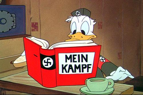 LES DIVINITES DU FORUM - Page 16 Donald_nazi