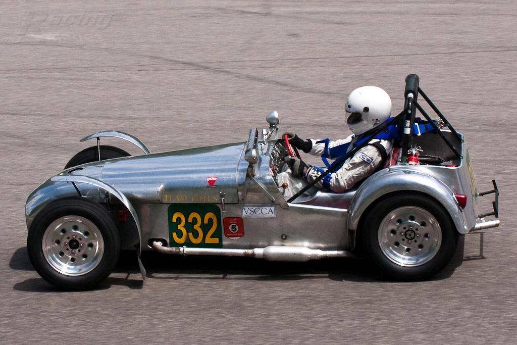 P'tit apercu de l'histoire de Lotus en images Car_332_Mark_Daniele_1958_Lotus_Seven_1A9136