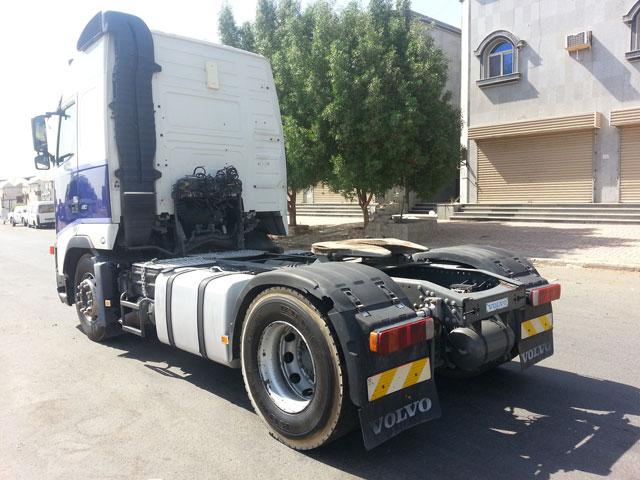 شاحنة فولفو موديل (2004) الحجم (fh12.460 13844375996618sh4