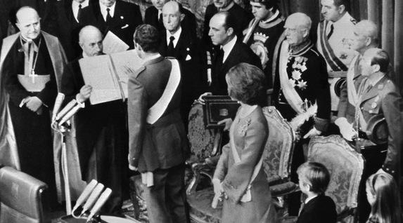 Un rey golpe a golpe. Biografía de Juan Carlos de Borbón. [HistoriaC] Par7895729
