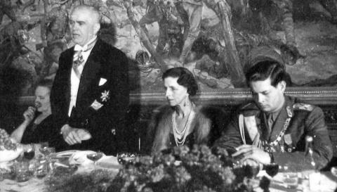 Regele Mihai I a abdicat în schimbul tablourilor şi banilor? De ce s-au simţit românii trădaţi pe 30 decembrie 1947 Main-938x535