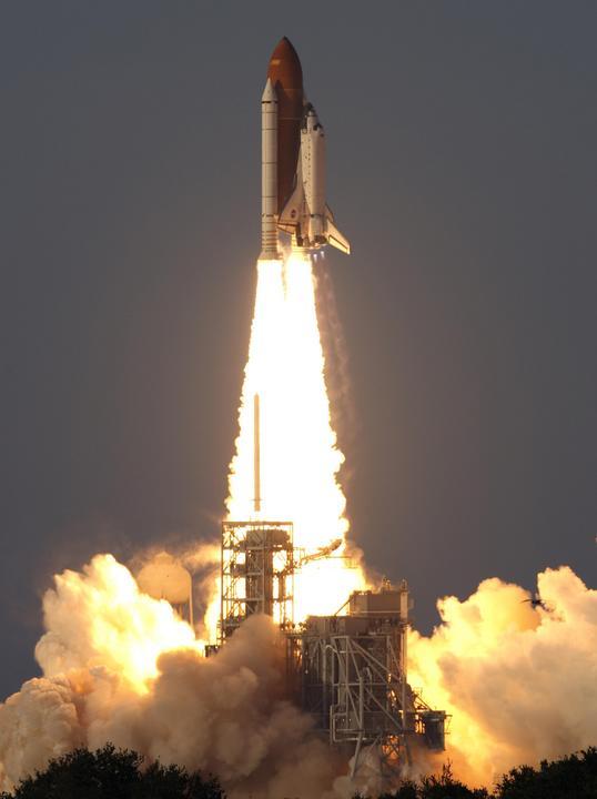 Lancement Atlantis STS-117 (08/06/2007) 178999main_07pd1438-m