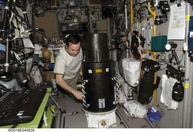 La science à bord de l'ISS 320033main_iss018e040939