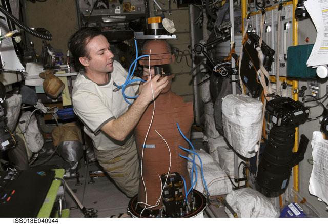 La science à bord de l'ISS 320038main_iss018e040944