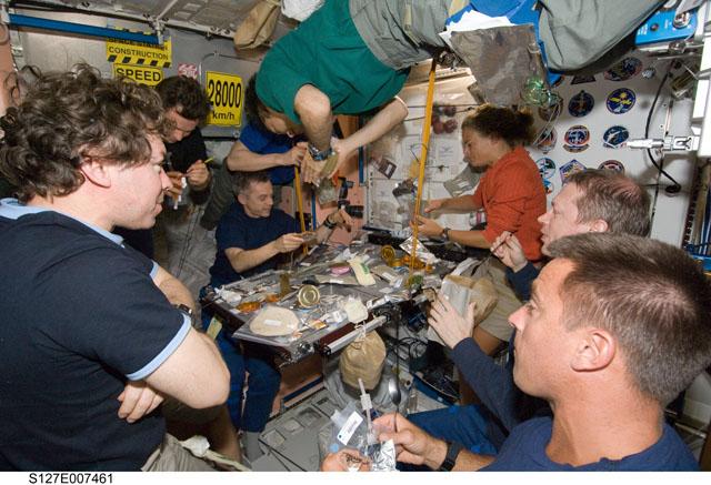 [STS-127: Endeavour] suivi de la mission. - Page 4 372158main_s127e007461