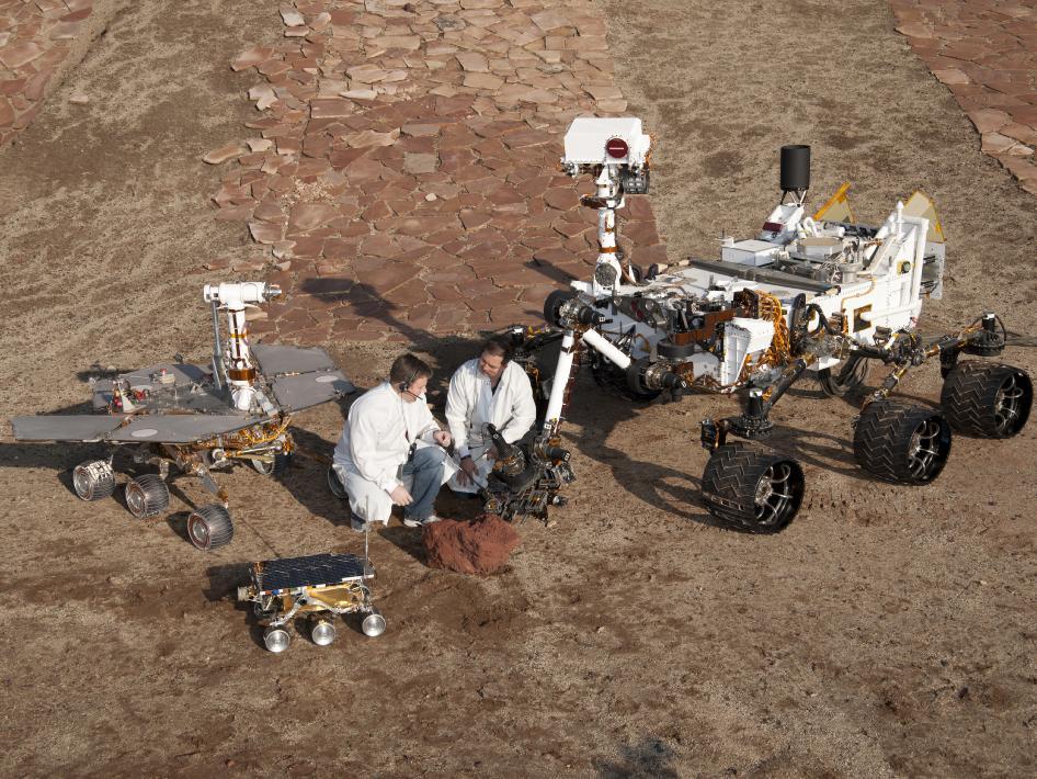 Sonde Curiosity sur MARS   616889main_pia15280-43_946-710