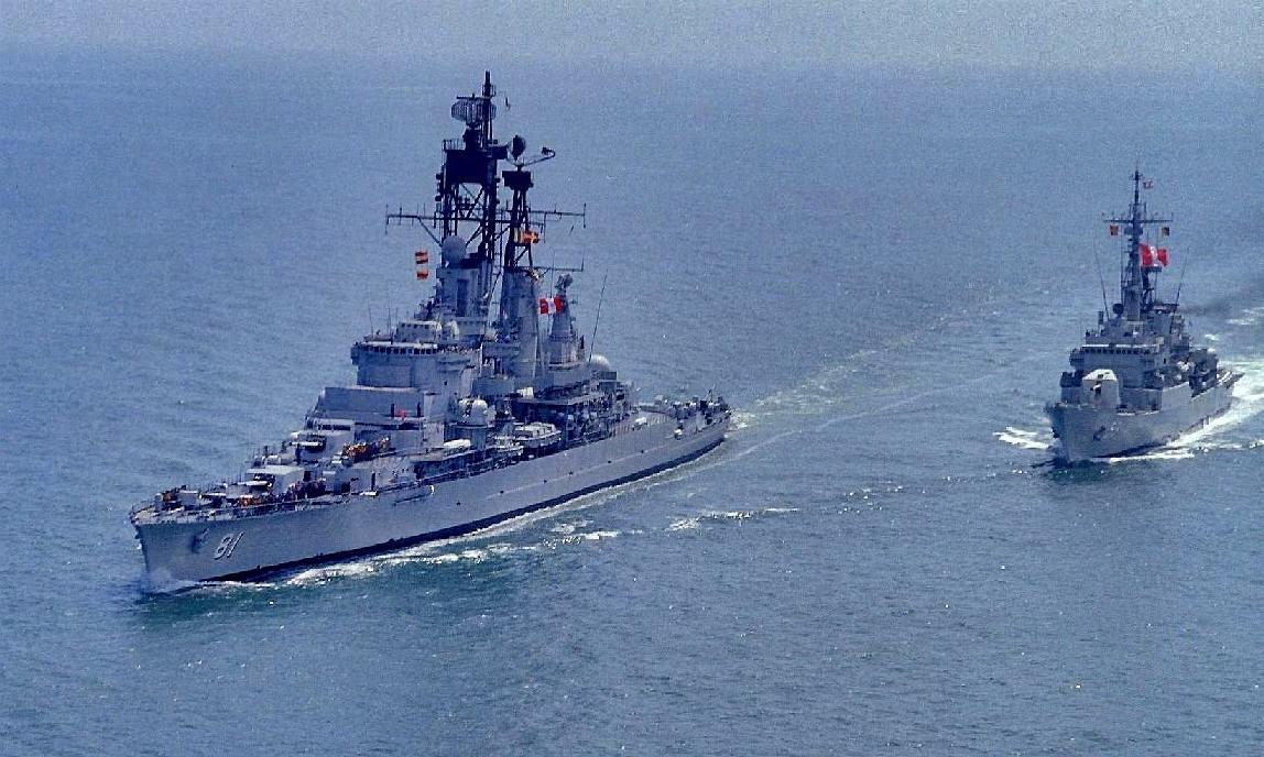 حصرى للمنتدى/قراءة في الخلفية التاريخية لتطور القوة البحرية+(صور) Bap-almirante-grau-clm-81-3