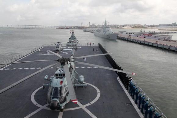 """Operação """"Espingarda da Paz"""" - Página 2 Chinese-Sixth-Naval-Escort-Flotilla-580x386"""