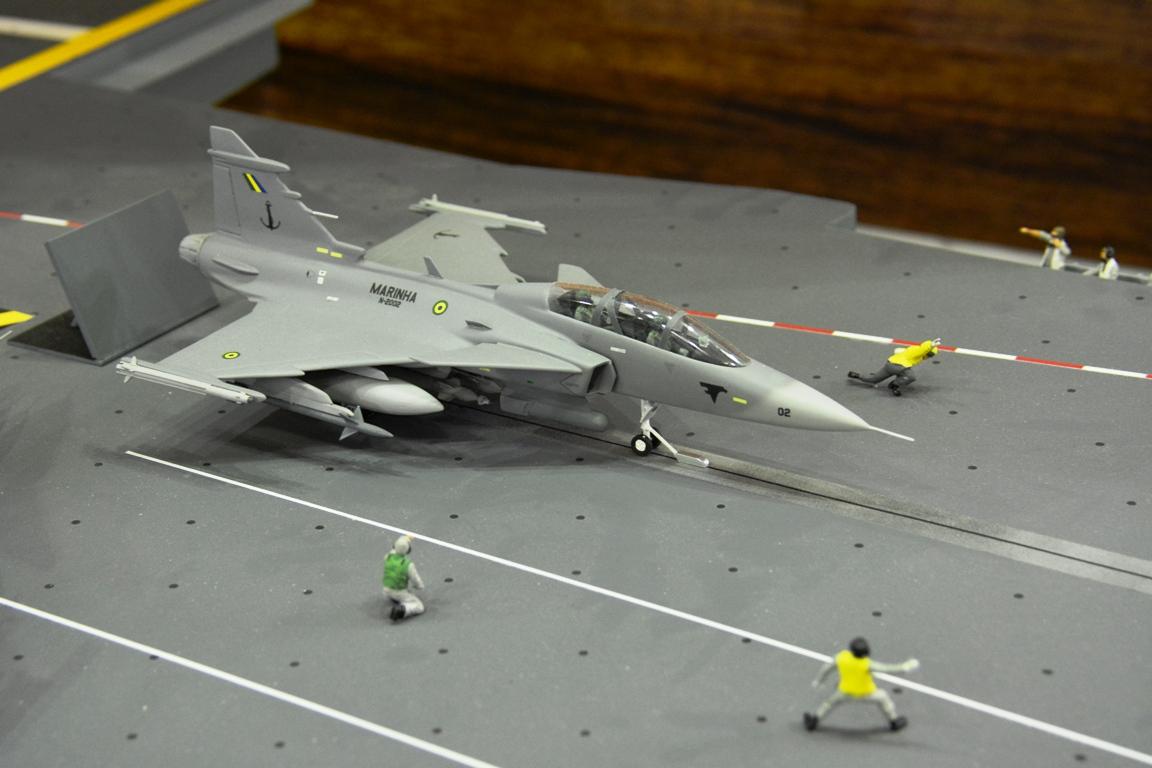 Sea Gripen LAAD-2013-199a