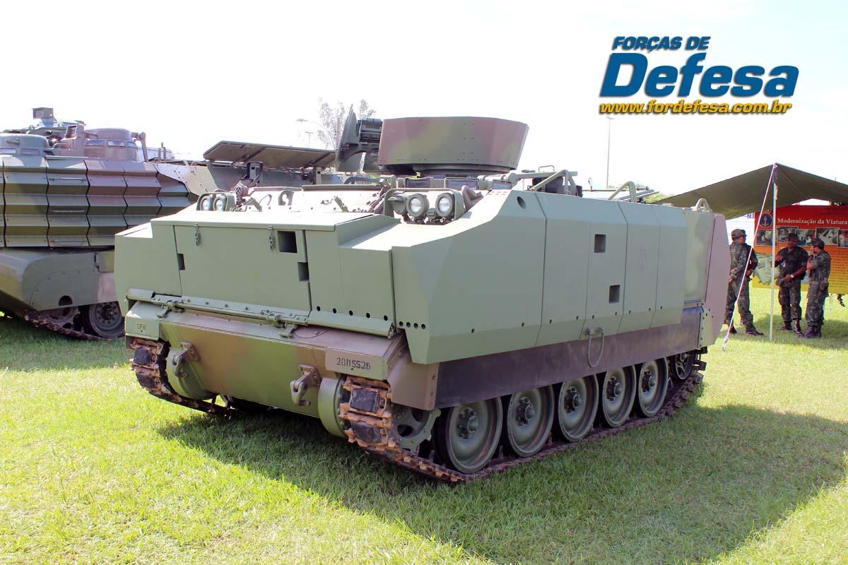 Armée Brésilienne/Brazilian Armed Forces/Forças Armadas Brasileiras - Page 21 FFE-M113-MB1-LAAD-2013-083